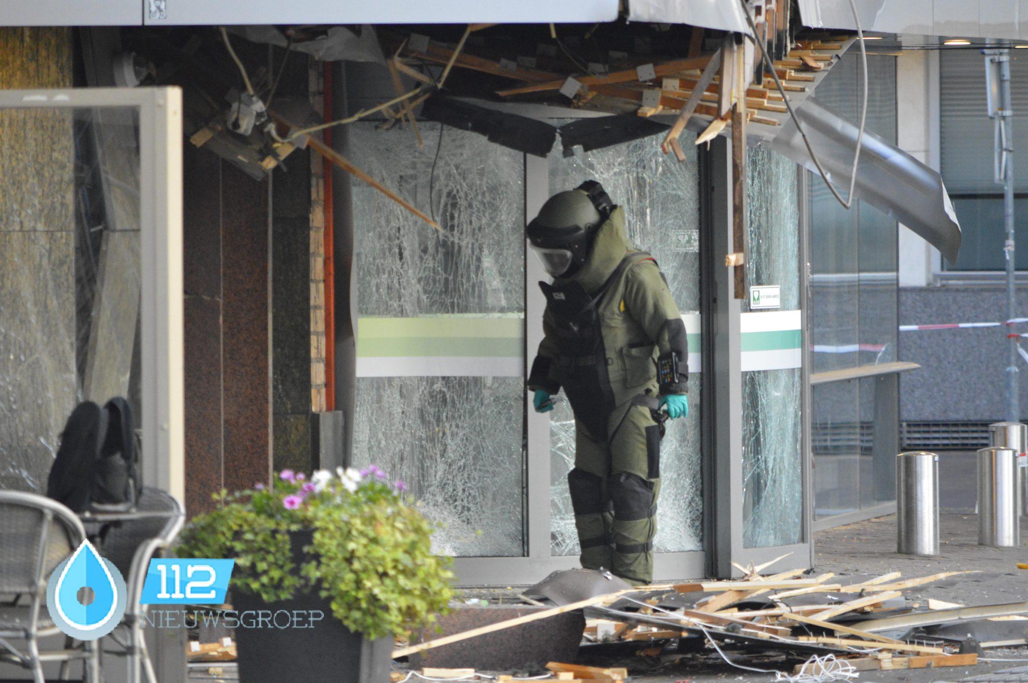 Veel schade na plofkraak bij bank in Venlo